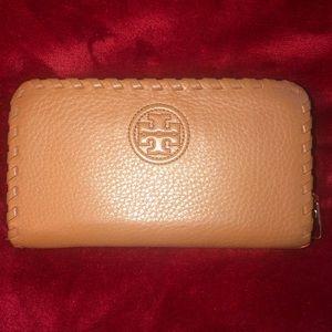 Tory Burch zip wallet. Color is Bark.